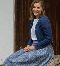 Strickjacke 19551 Fb. 42 Rock 495545 Fb. 2 T-Shirt 39505 Fb. 10.JPG